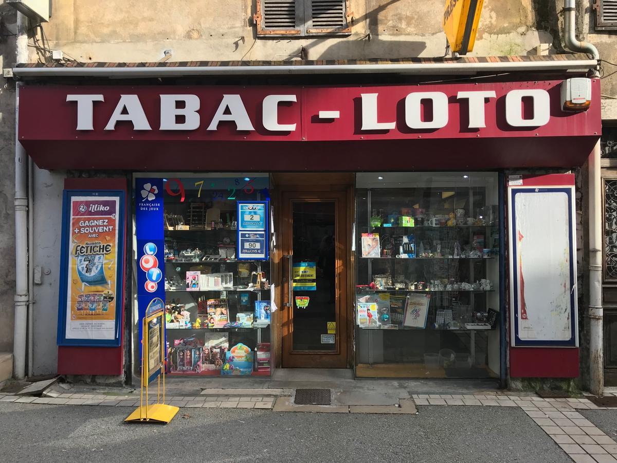 Installation D Un Systeme De Securite Dans Un Bureau De Tabac Dans L Ain