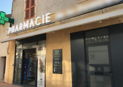 SECURISATION ANTI VOLS A L'ETALAGE D'UNE PHARMACIE DE L'AIN 01