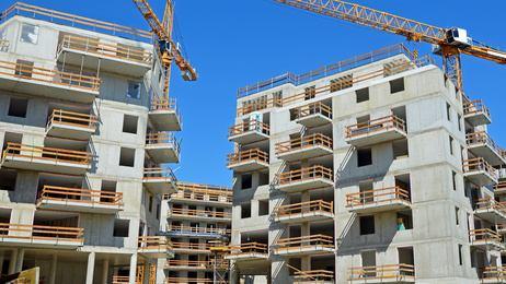 chantier-immeuble-grues